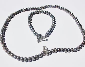 Gray Freshwater Pearl Necklace and Bracelet Set