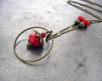 Necklace the pretty red faceted glass beads.