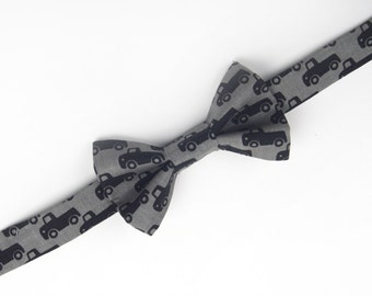 Trucks Bow Tie, grey truck bow tie, boys grey bow tie, toddler bow tie, baby bow tie, black trucks bow tie, vehicles bow tie, pick up truck