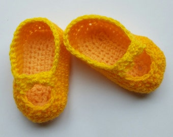 Baby Girl Shoes, new baby gift, baby shower, hand crochet, baby Mary Janes, handmade, infant shoes, newborn shoes, baby slippers, yellow