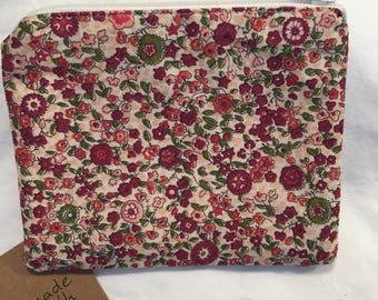 Zip pouch, coin purse, floral wallet, Liberty fabric, zipper pouch, change purse, gift for her, Christmas gift, zipper wallet, red floral