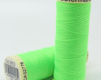 Thread sewing Fluro Gutermann 100 m green collar. 3853