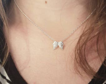 Silver necklace with angel wings