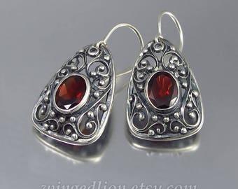 GERTRUDE Garnet silver earrings