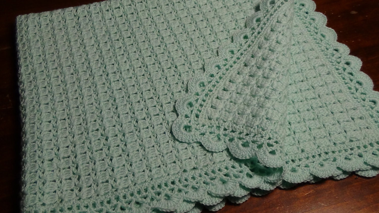 Copertina verde acqua all 39 uncinetto in pura lana vergine for Merletti a uncinetto schemi