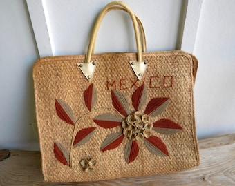 Vintage Large Woven Mexico Straw Bag / Market Bag / Beach Bag  / Vintage 70's Tote / Festival Tote / Neutrals
