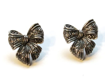 Avon Marcasite Bow Earrings ~ Textured Silver Bows Post Earrings ~ Silvertone Ribbon - Vintage 1994