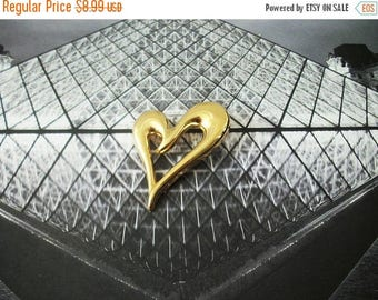 ON SALE Vintage Gold Shiny Larger Heart Metal Pin 52116