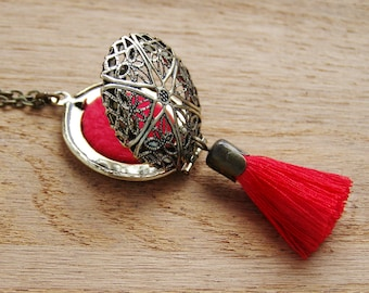 Red Tassel Locket Pendant, Ethnic diffuser, Tribal Dream Catcher, Bohemian Essential Oil Diffuser, Chinese red filegree aromatherapy charm