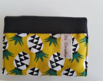 Door - cards faux leather and fabric pineapple, 4 compartments.