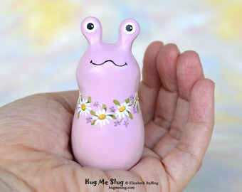 Handmade Slug Figurine, Miniature Sculpture, Lavender, Daisy Floral, Hug Me Slug, Animal Totem Charm Figure with Flowers, Personalized Tag