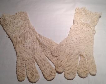 Vintage Ladies Hand Made Gloves