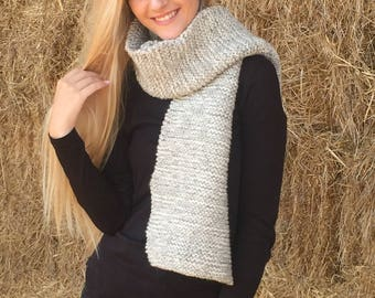 Light grey and white double knit chunky scarf