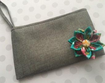 Luau Gray Canvas Wristlet