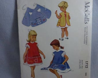 Vintage Childs Apron Pattern with Tic Tac Toe Game Vintage McCalls 1712 Child Size  8