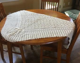 Vintage White Triangular Knitted Puffy Soft Shawl/Throw