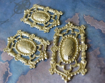 2 PC Raw Brass Gothic / Edwardian Royal Shield Filigree - NN03