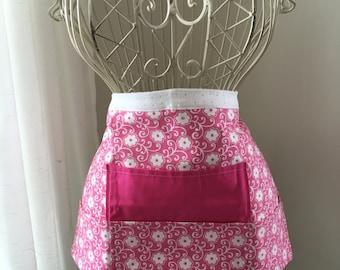 Half Waist Apron Teacher Vendor Art Craft  iPad Pink White Flower Fabric (4 Pockets)