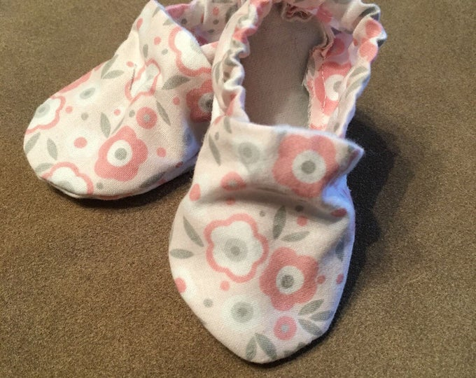 Baby and Toddler items, Baby shoes, crib booties