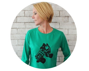 Long Sleeved Roller Skate Tshirt, Kelly Green Shirt Hand Screenprinted, Quad Speed Skate with Birds, Roller Derby Tshirt, Cotton Clothing