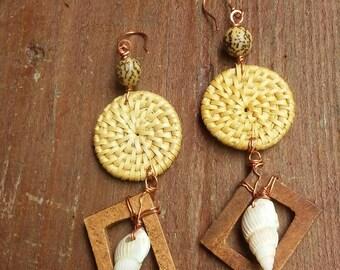 Copper and wicker earrings, copper jewelry, copper earrings, copper and shell earrings