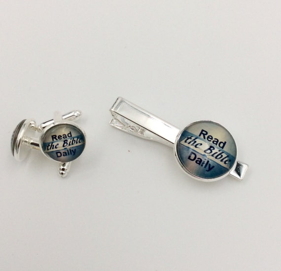 "JW Read the Bible"" Cufflinks /Tie bar Set 14mm /20mm Silver-tone and Glass.  Blue Velvet gift bag #406/ #407"