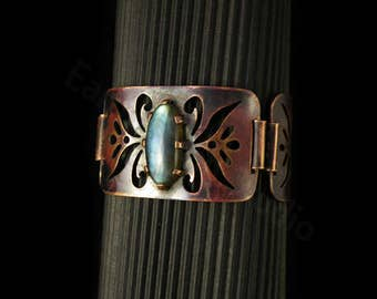 Hinged copper bracelet with set Labradorite cabochon. FREE SHIPPING