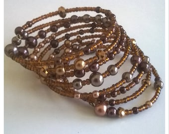 Copper bracelet shape memory 7 rounds, copper seed beads and Pearly beige and Brown beads