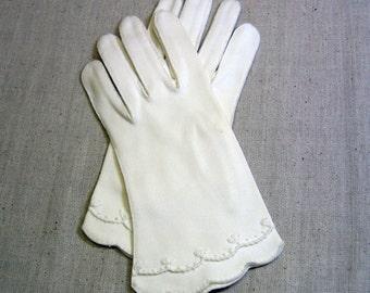 Ladies White Cotton Gloves,  Small, Vintage