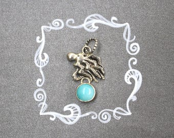 Dainty BFF necklace. Silver octopus necklace with green amazonite