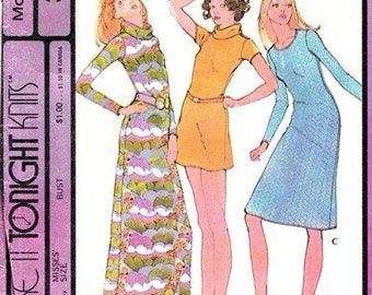 McCall's 3235 Pretty as a Picture Dress 1972 / SZ10 UNCUT