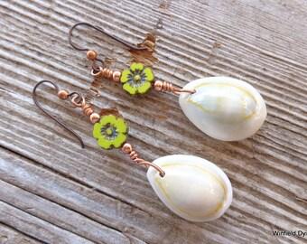 Cowrie Shell Flower Earrings