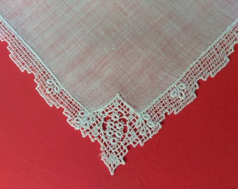 FREE SHIPPING, Vintage Hankie, Lace Hankerchief, White Lace Hankie, Wedding Hankie, Ladies Hankie, Vintage Linens