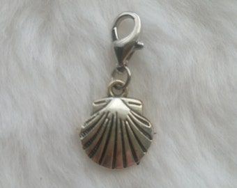 Scallop Seashell Charm - Clip-On - Ready to Wear