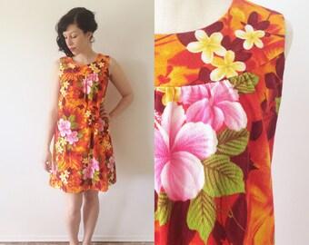 1960s Hawaiian Shift Dress Small/Medium | Ui-Maikai Hawaiian Cotton Barkcloth Dress
