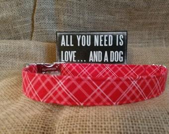 Valentine Plaid Buckle Collar