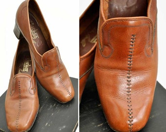 Vintage 70s Women's Brown Leather slip on shoes by Barker of Earl Barton