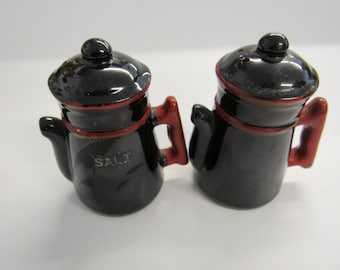 Vintage Tea Pot Salt and Pepper Shakers Dark Brown and Red