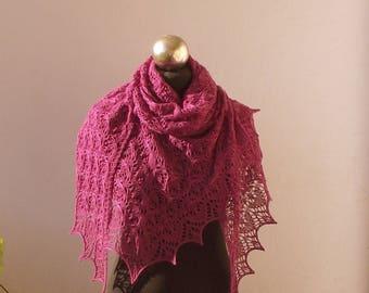 Châle en dentelle laine tricoté à la main violet fuchsia