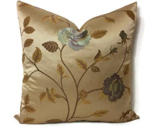 JF Fabrics Marika in the color 32J5451 Pillow Cover