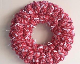 Christmas fabric wreath, winter wreath, snowflake wreath, holiday decoration, door / wall decor, door hanging, 15-inch red wreath