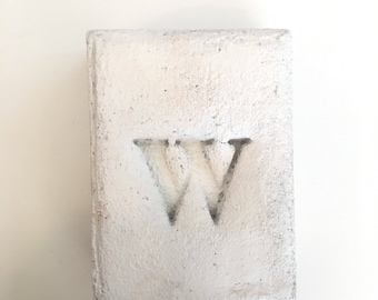 White Painted (W) Stamped Concrete Bookend