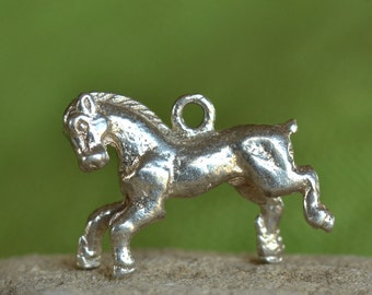Vintage English sterling silver horse charm - free shipping
