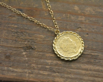 Coin necklace, gold medallion necklace, gold coin pendant, antique style, gold disc necklace, gold coin necklace, medallion pendant necklace