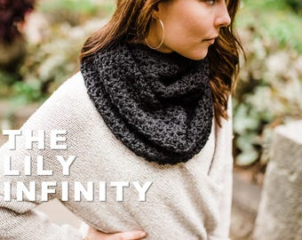 Lily Infinity Crochet Pattern / / Infinity Scarf / / Beginner Friendly