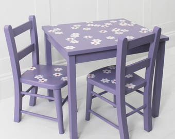Purple Daisies Childs Table and Chairs