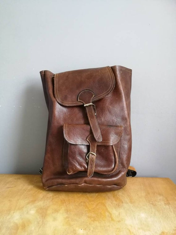 Large vintage leather backpack / brown chestnut leather backpack / unisex leather rucksack / 70s leather backpack / big backpack purse /