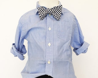 Navy Houndstooth Bow Tie