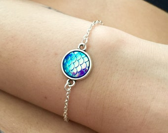 Iridescent mermaid scale chain bracelet