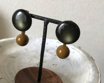 Green x khaki earrings  beads earrings